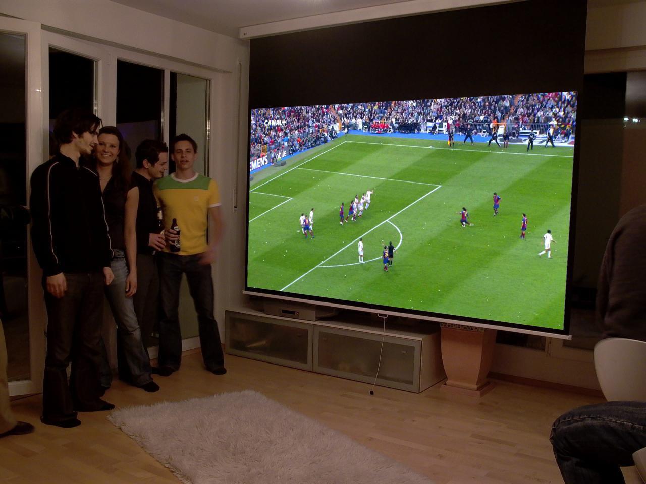 leinwand vs wand  so verbessern sie die bildqualität ~ Fernseher In Wand Versenken