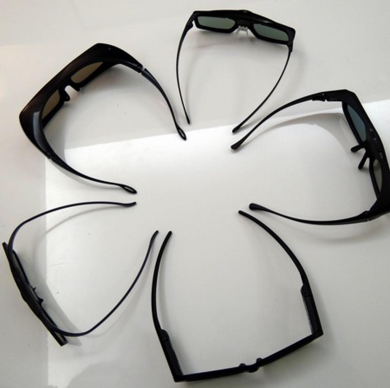 Heimkino 3D Beamer - großer 3D Brillen Praxis Test 2014
