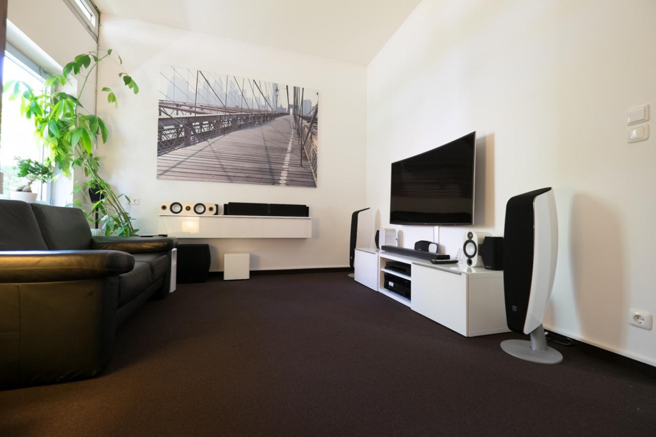 Fernseher und Soundbar