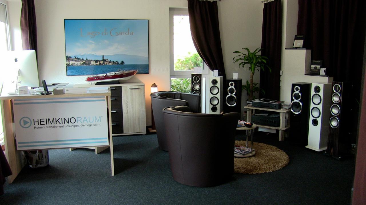 heimkino beamer f r die fu ball wm. Black Bedroom Furniture Sets. Home Design Ideas