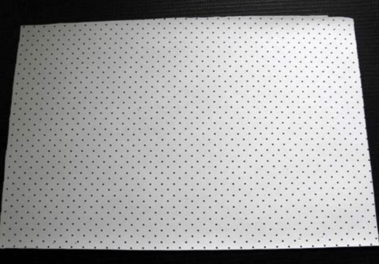 Perforation Leinwand