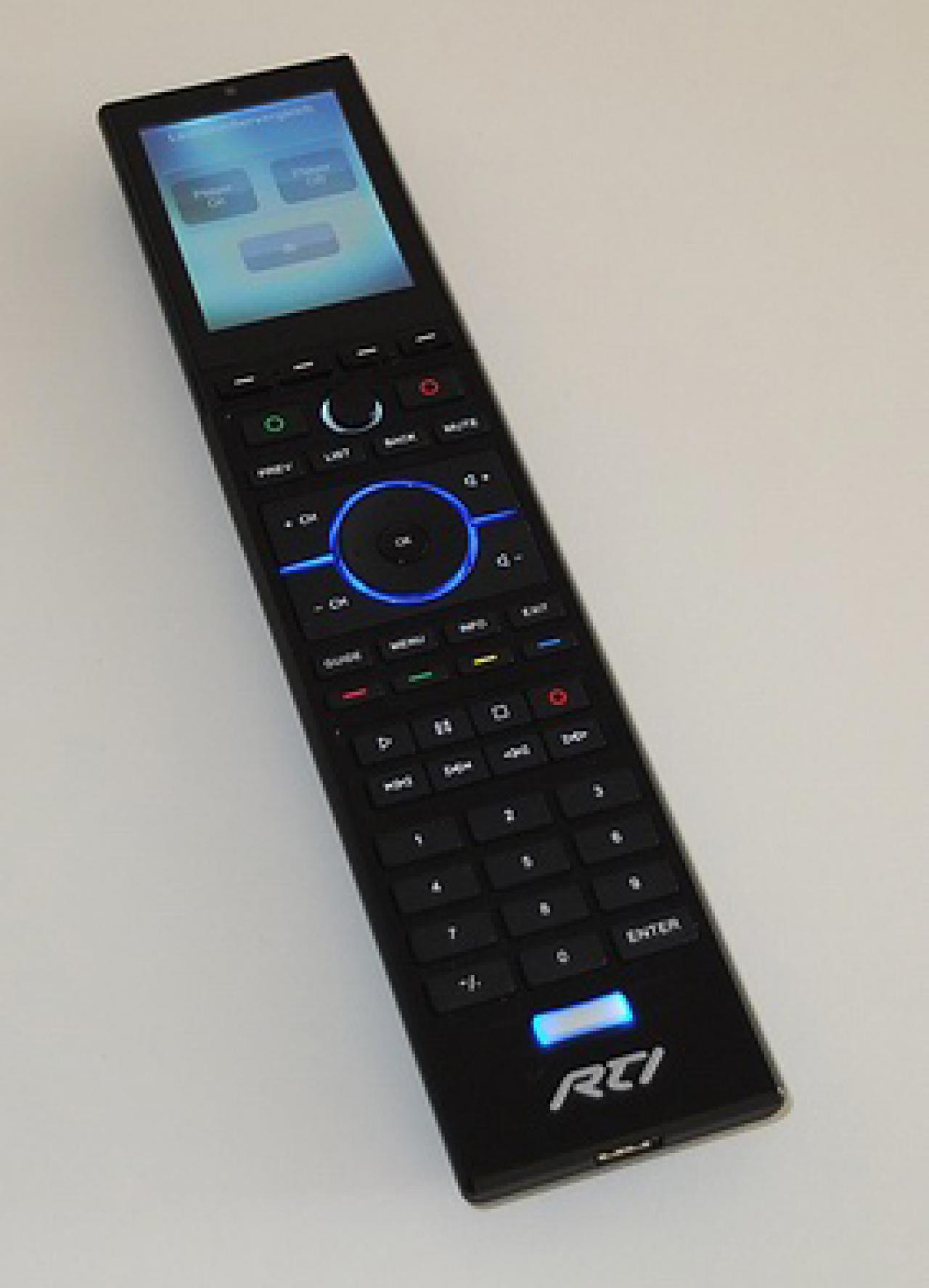 RTI Fernbedienung mit Farbtouch-Display