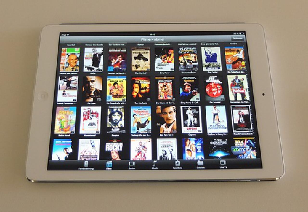 RTI System Filmsammlung mit Tablet durch Filmserver