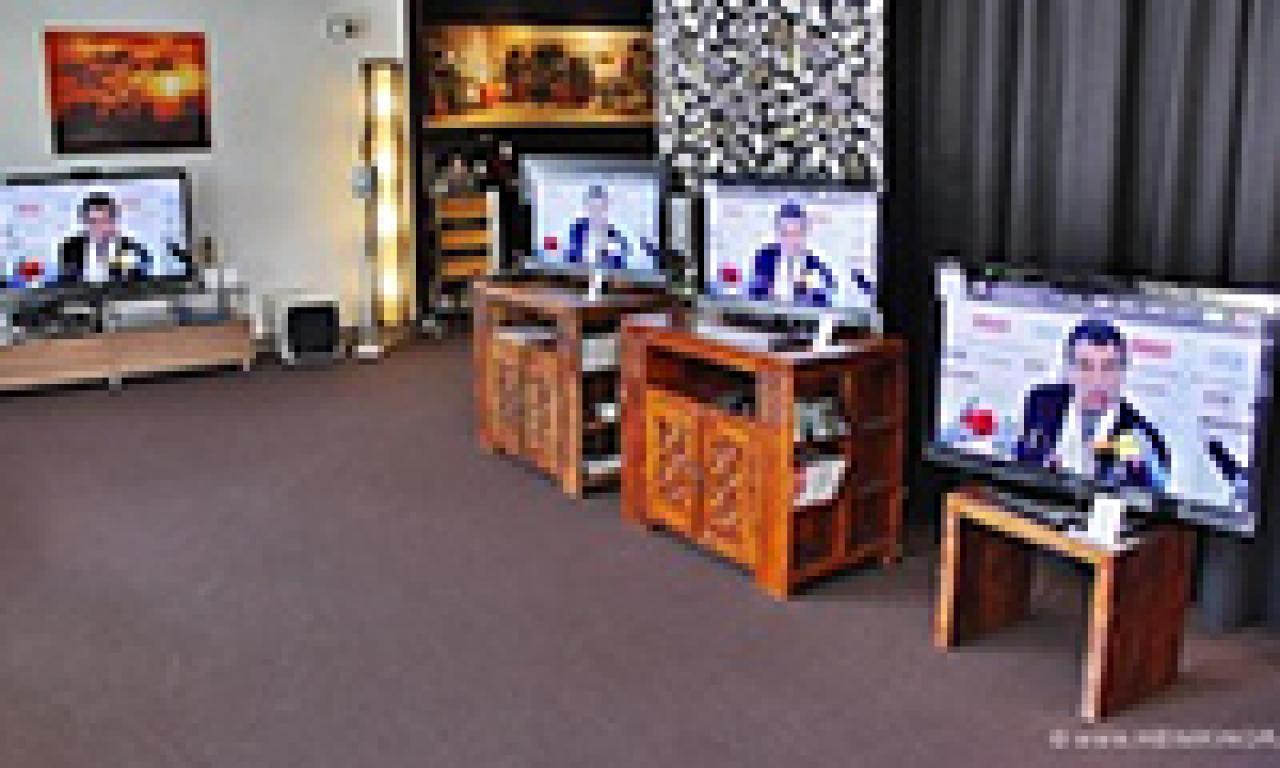Fernseher, Beamer, Leinwände und mehr im direkten Vergleich in unseren Heimkino Wohnzimmern