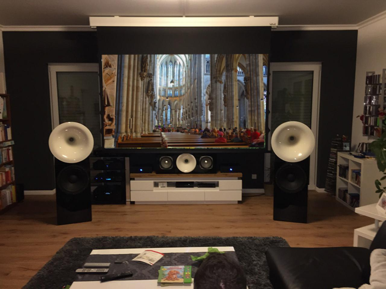 heimkino round sound made by team berlin. Black Bedroom Furniture Sets. Home Design Ideas