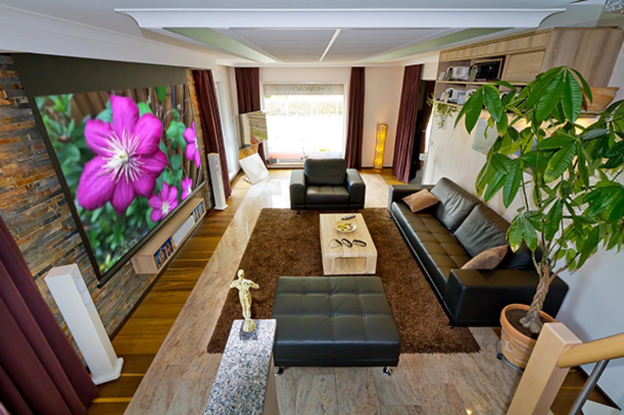 heimkino mit leinwand tumblr raum und m beldesign inspiration. Black Bedroom Furniture Sets. Home Design Ideas