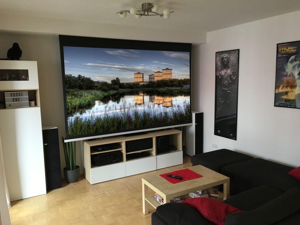 heimkino klappe auf film ab. Black Bedroom Furniture Sets. Home Design Ideas