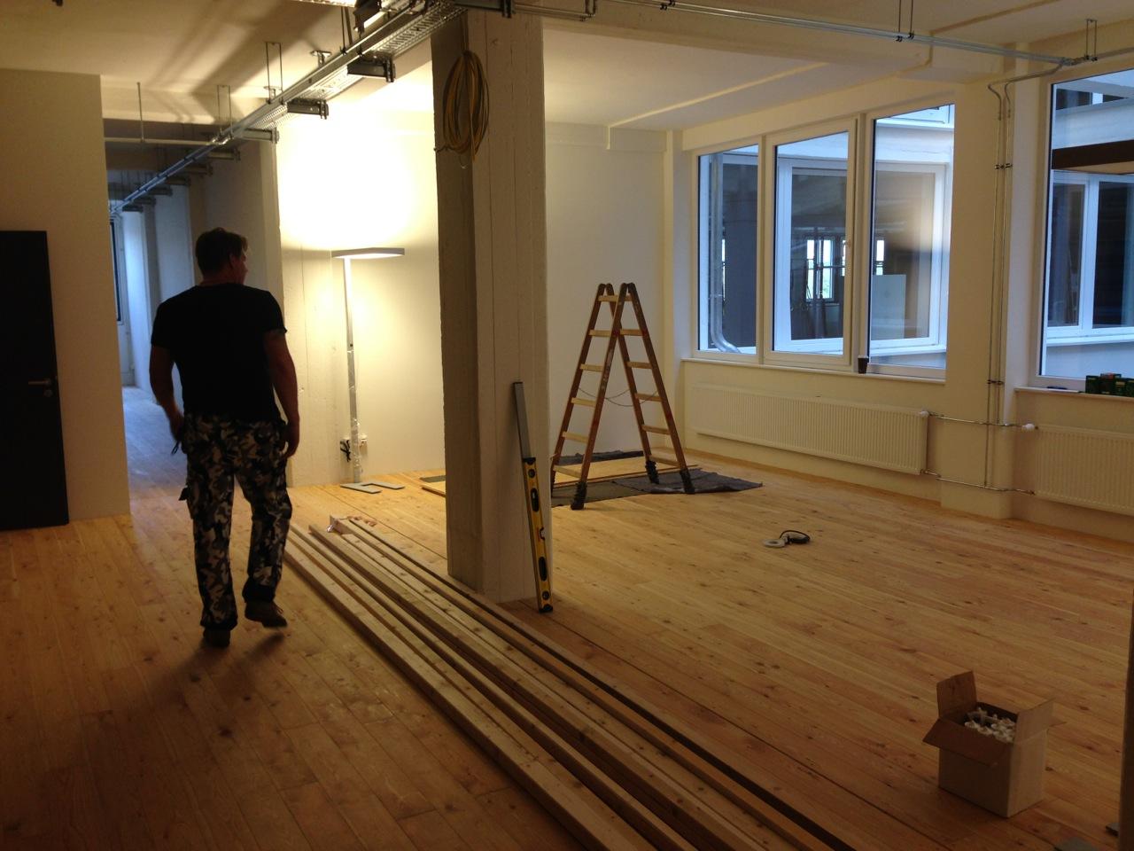 Wandverkleidung Holz Bremen ~ Wandaufbau und Kabelführung für den Beamer Vergleich