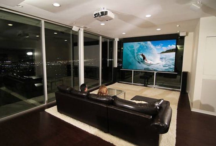 motorleinwand elite screens saker tab tension. Black Bedroom Furniture Sets. Home Design Ideas