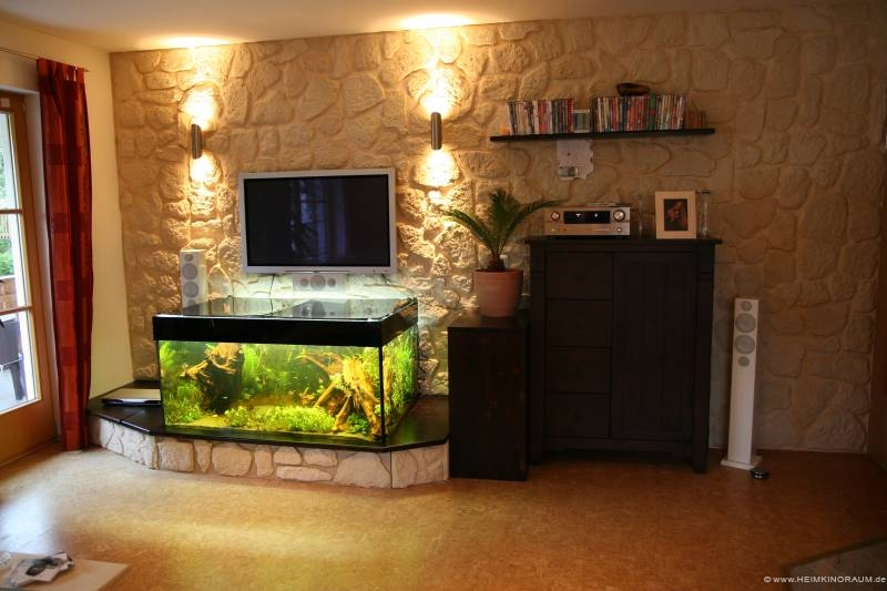 plasma ber dem aquarium angebracht kabel und technik. Black Bedroom Furniture Sets. Home Design Ideas