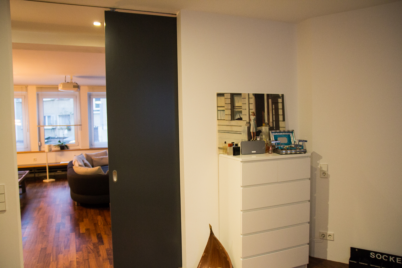 heimkino the duke. Black Bedroom Furniture Sets. Home Design Ideas