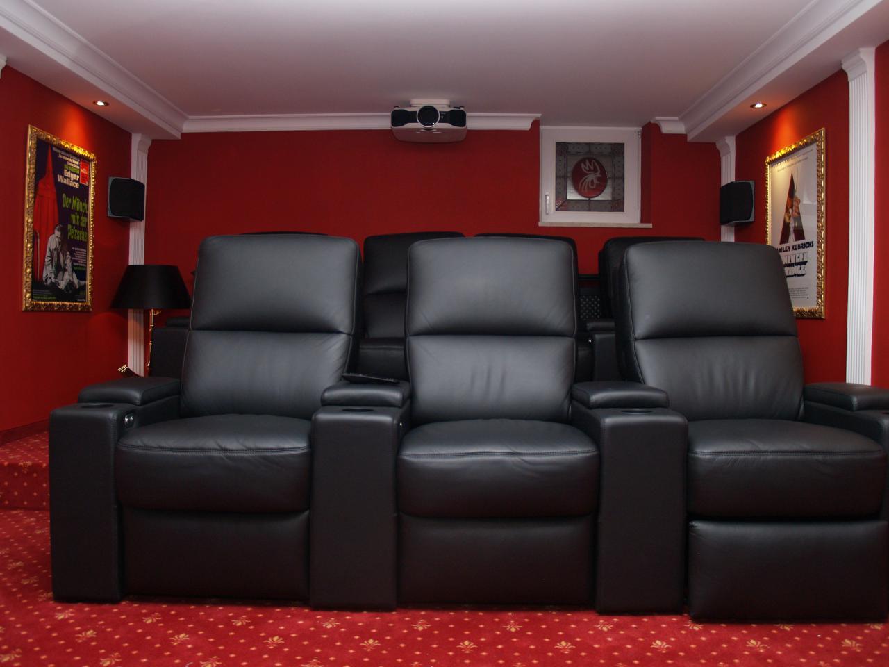 heimkino dream in red. Black Bedroom Furniture Sets. Home Design Ideas