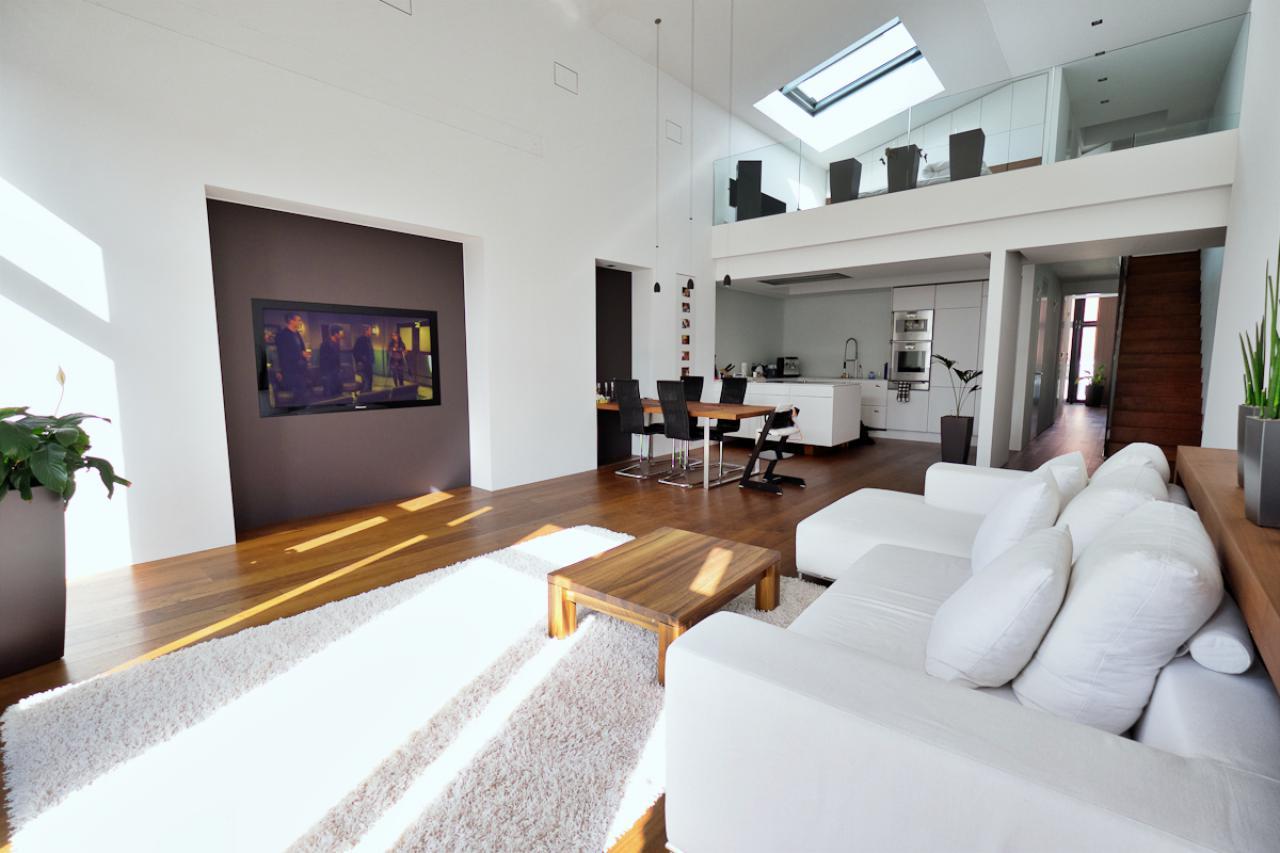 Bezahlbare und in den Wohnraum integrierte Heimkinos für jeden Raum.