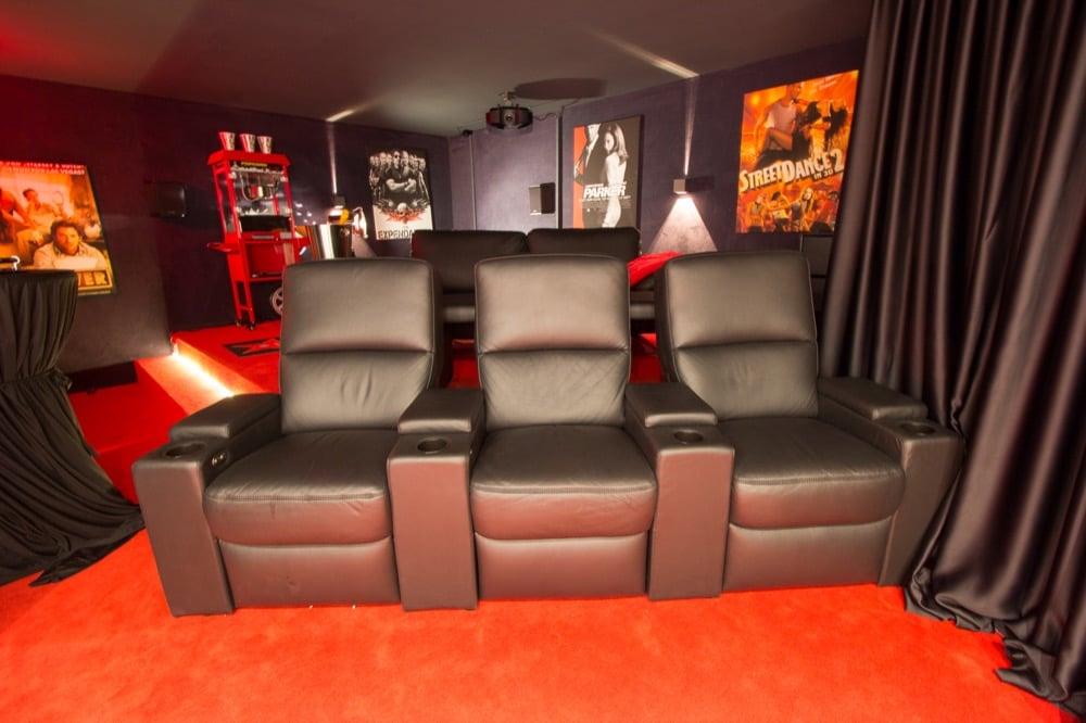 heimkino hollywood referenz von team stuttgart. Black Bedroom Furniture Sets. Home Design Ideas