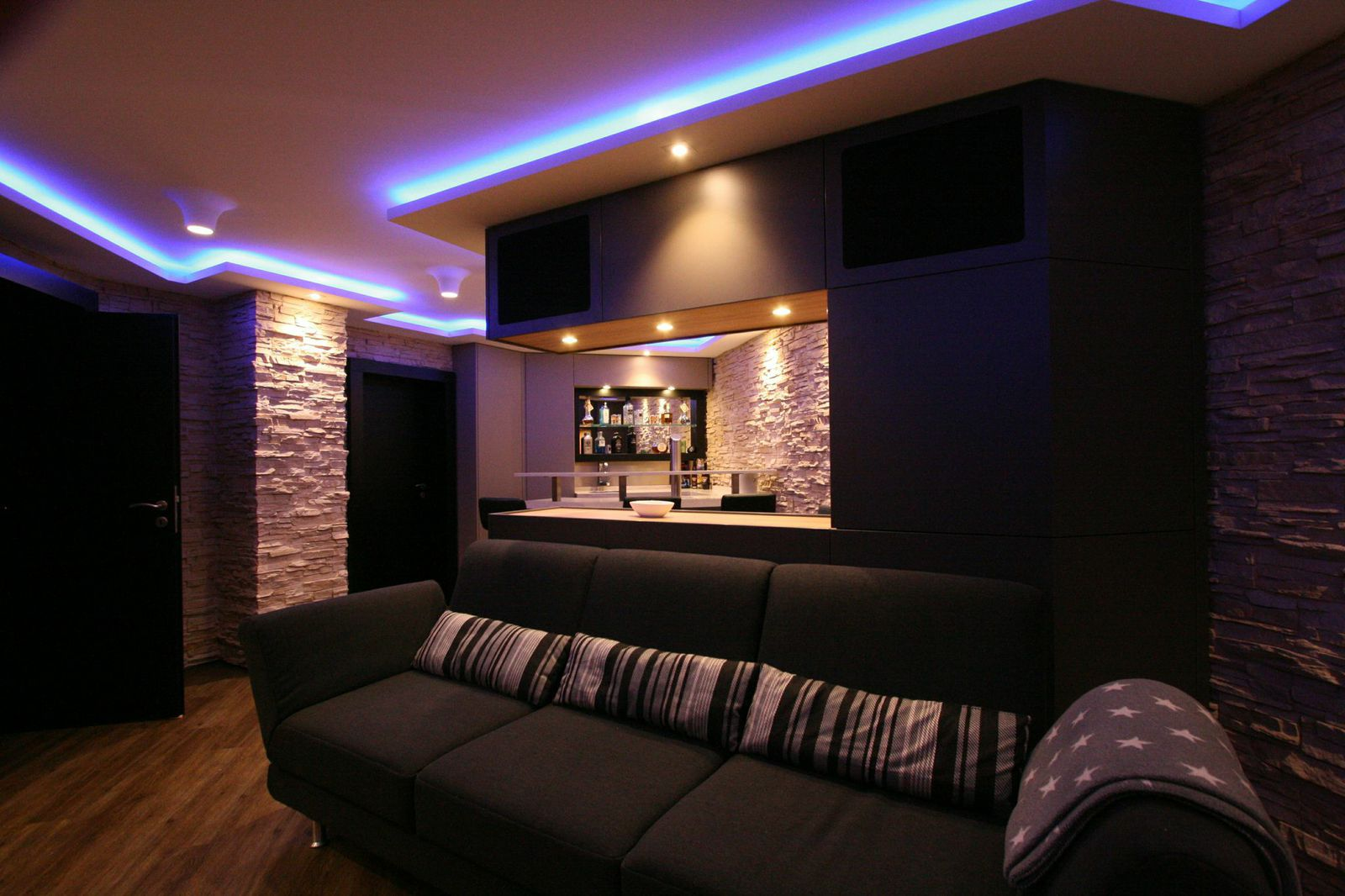 heimkino k4 cine lounge bar by team osnabr ck. Black Bedroom Furniture Sets. Home Design Ideas