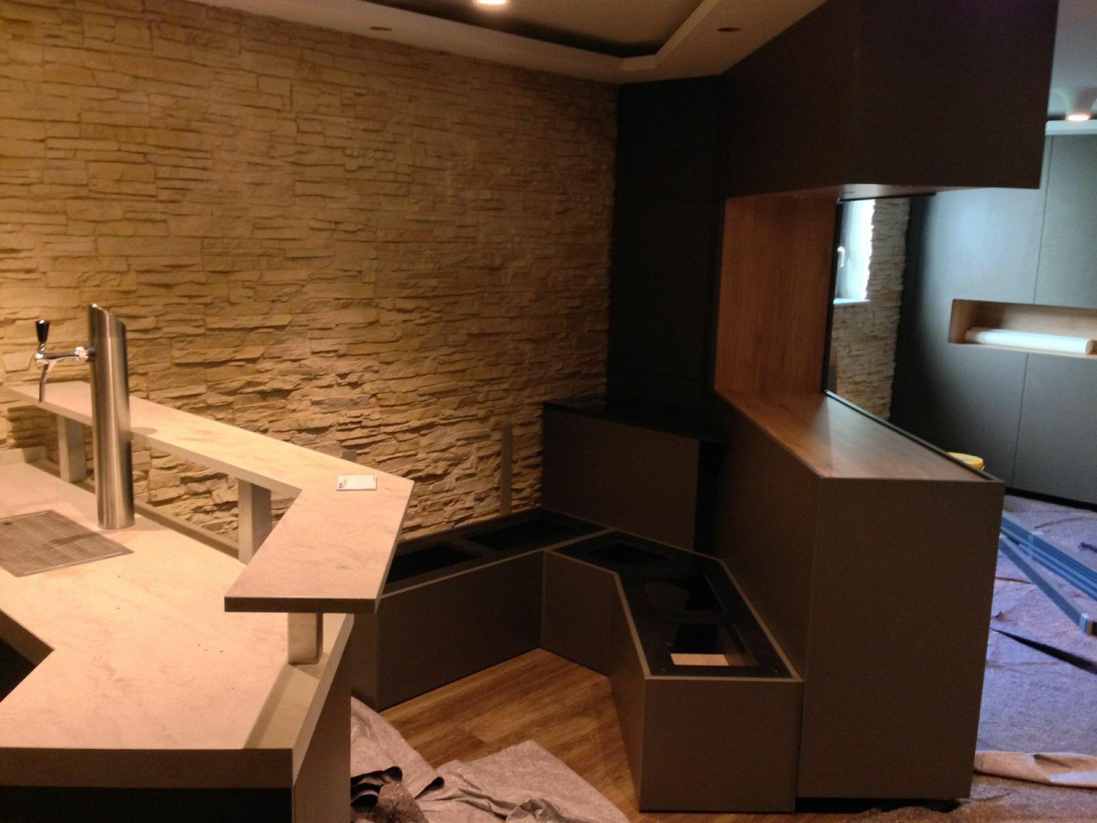 Sitzecke montiert im Heimkino Lounge
