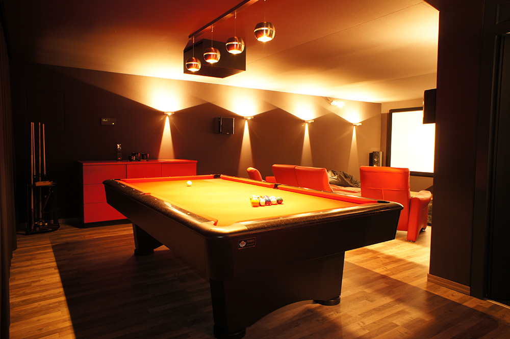 Heimkino Casino mit Billard by Trier Luxemburg