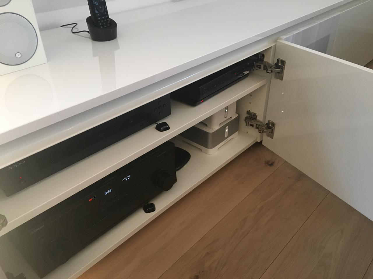 heimkino solveigh elegant und klangstark heimkinoraum. Black Bedroom Furniture Sets. Home Design Ideas