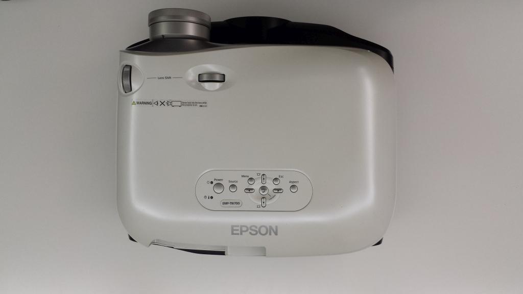 Epson TW700 Gehäuse Größe