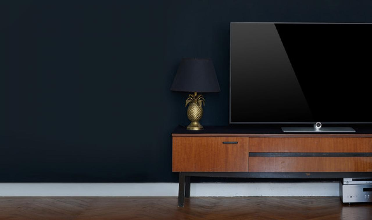 loewe one fernseher. Black Bedroom Furniture Sets. Home Design Ideas